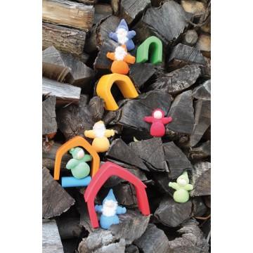 http://www.tangrammontessori.fr/1710-thickbox/tube-de-petites-figurines-foret-tropicale.jpg